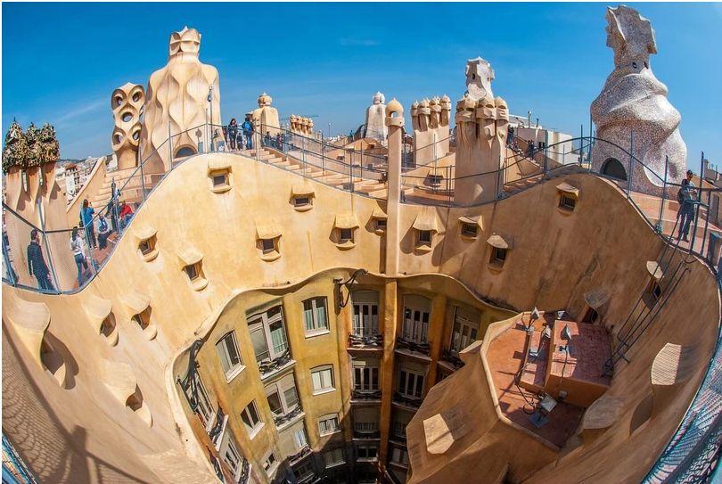 O Melhor de Gaudí: Casa Batlló e Milà, Sagrada Família e Park Güell | Tour Regular de Dia Inteiro